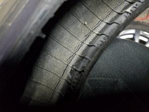 タイヤ内側の崩壊