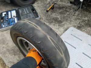 取り外したフュージョン250のタイヤ