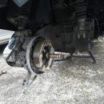 タイヤを外したフュージョン250
