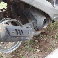 タイヤ交換中のディオ