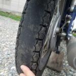 摩耗したヤマハメイトのタイヤ