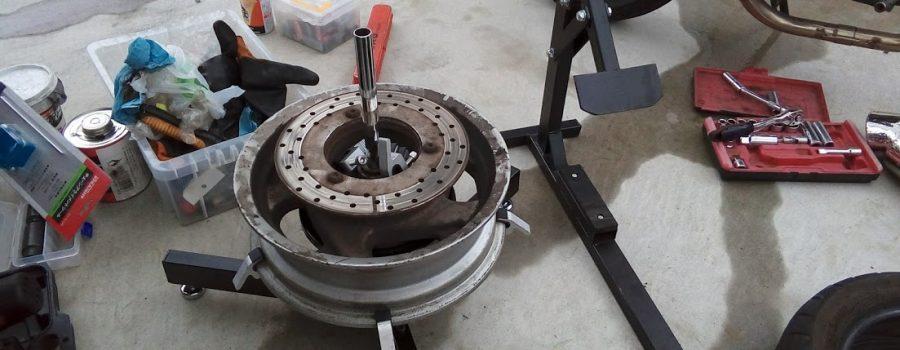 タイヤ交換の作業台