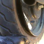 スズキレッツのタイヤエアー漏れ修理