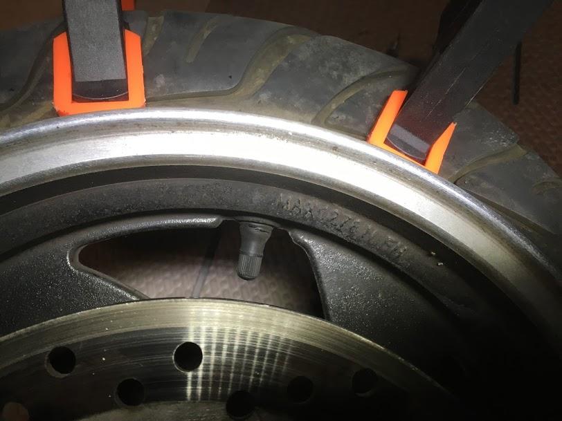 トライクフロントタイヤ修理