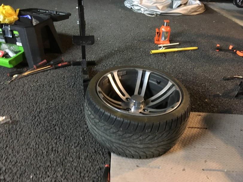 トライクリアタイヤの修理