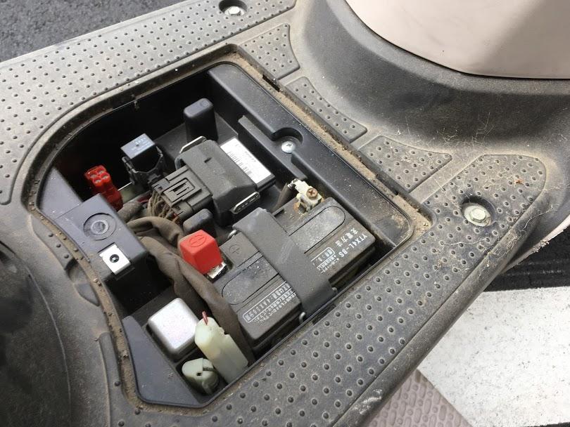トゥデイのバッテリー交換