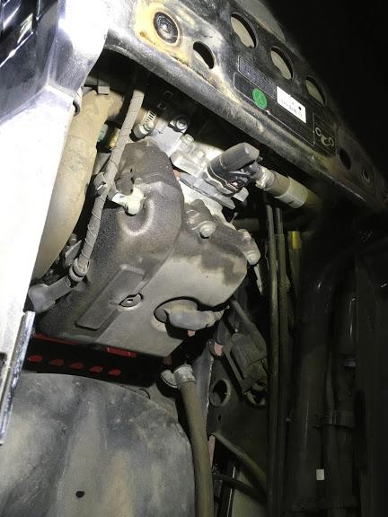 マグザムのシリンダーヘッドカバーからオイル漏れ