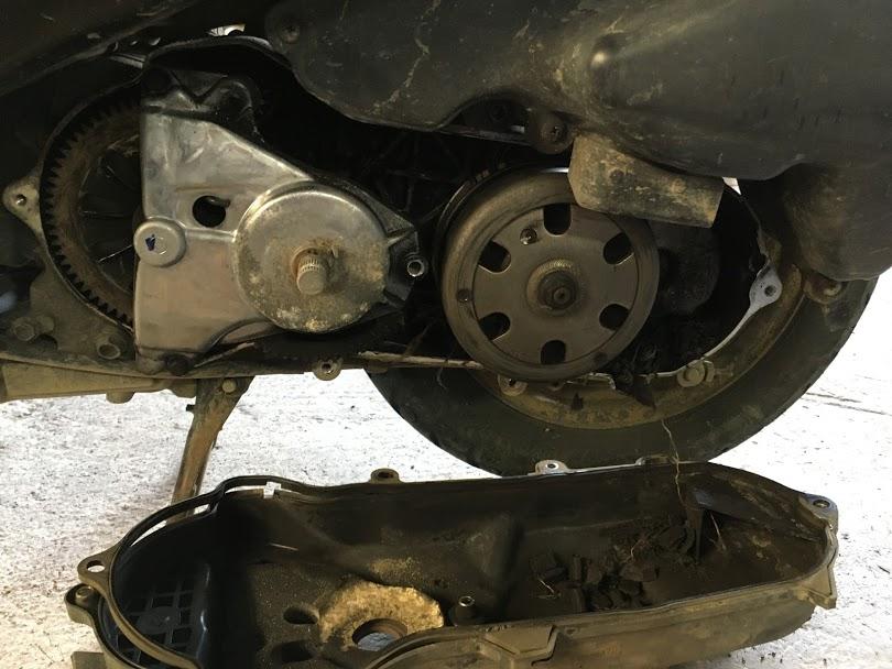原付のドライブベルト破断