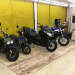 店舗内バイク保管場所