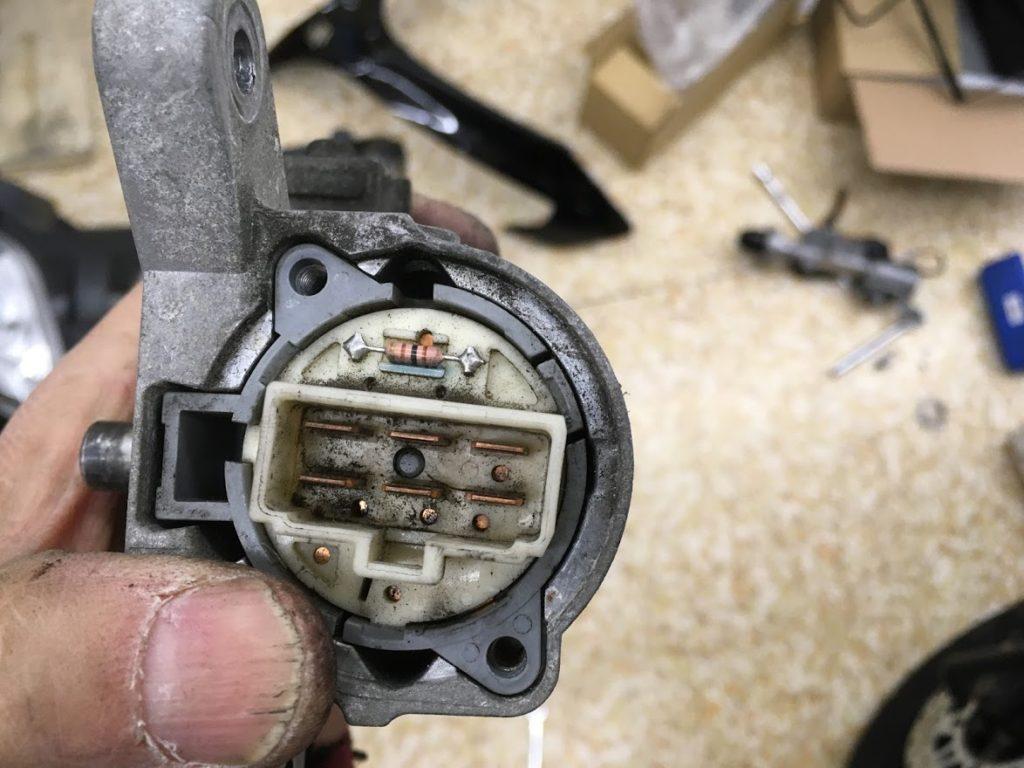 キーシリンダーのコネクト部分