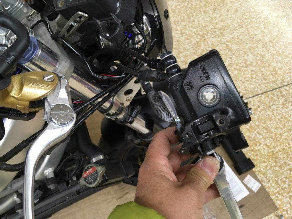 ブレーキマスターシリンダー交換